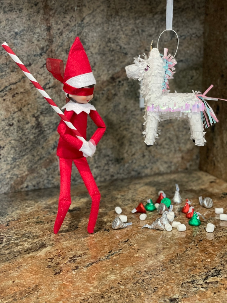Elf on the Shelf - Party Piñata ​
